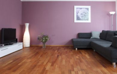 Oling and waxing of wooden floors