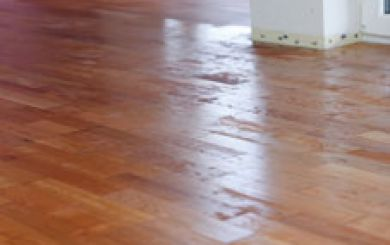 Oling and waxing of wooden floors - step 7