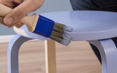 Paint a stool with AURO natural paints